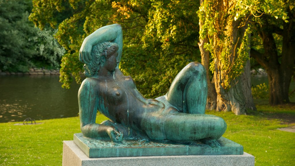 Kungsparken which includes outdoor art, a garden and a statue or sculpture