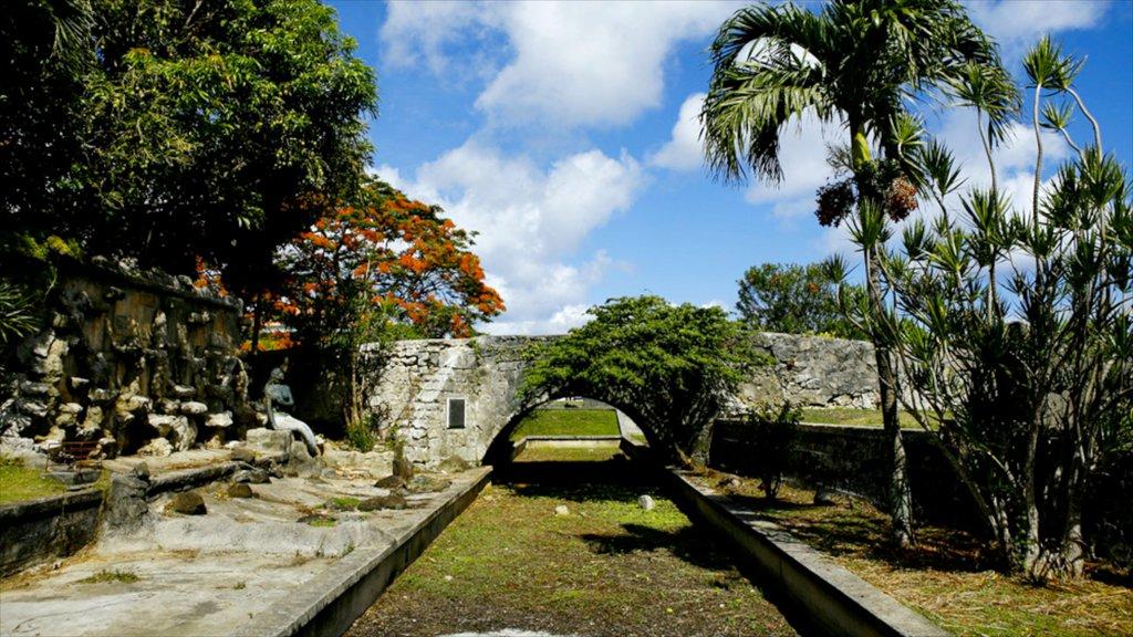 Hagatna featuring heritage elements and a bridge