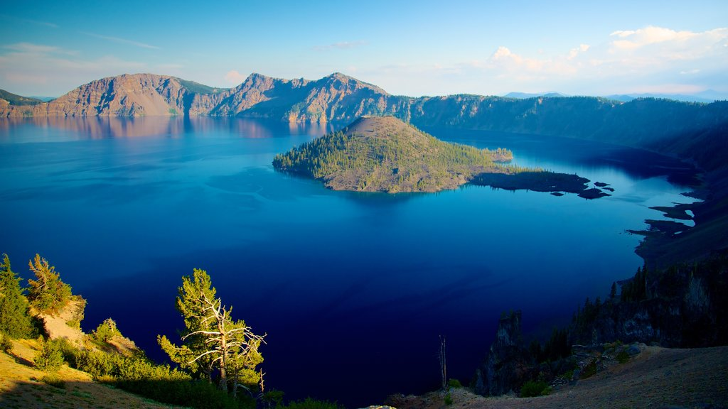 Crater Lake National Park featuring mountains, landscape views and island images