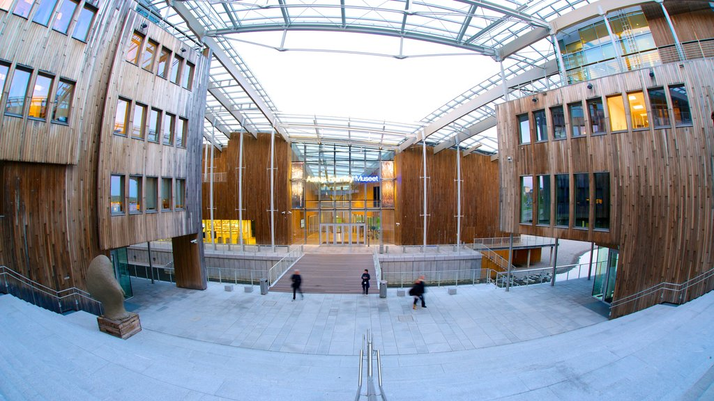Oslo showing a square or plaza, modern architecture and interior views