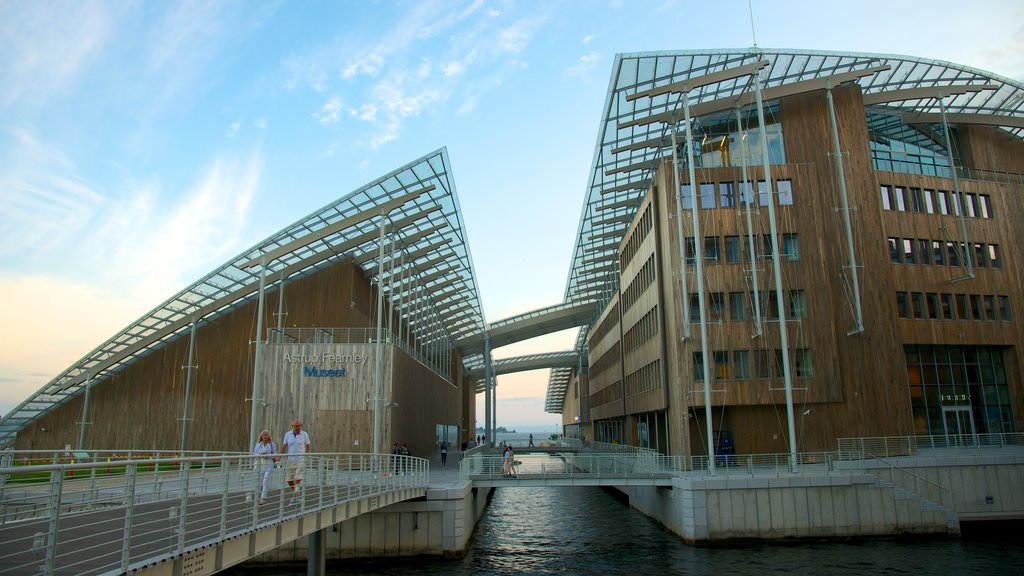 Oslo featuring general coastal views, modern architecture and a city