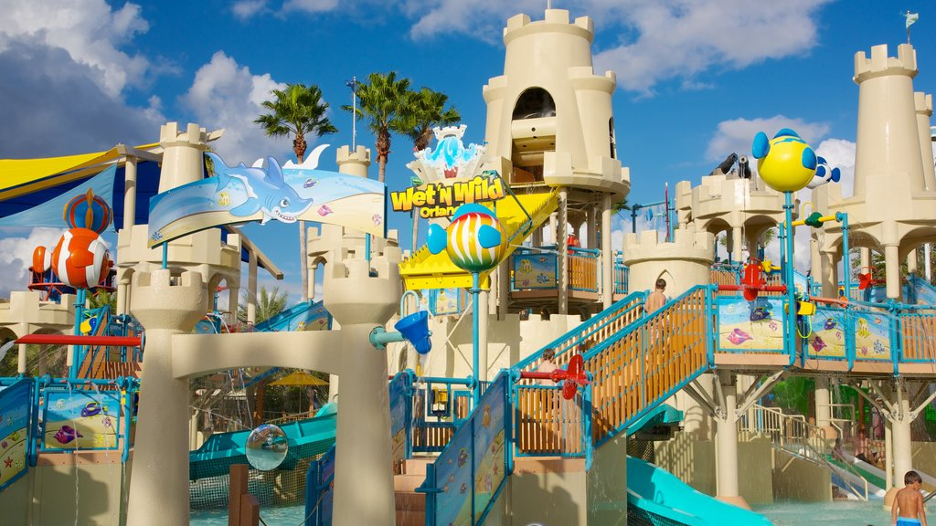 Wet \'n Wild featuring a waterpark