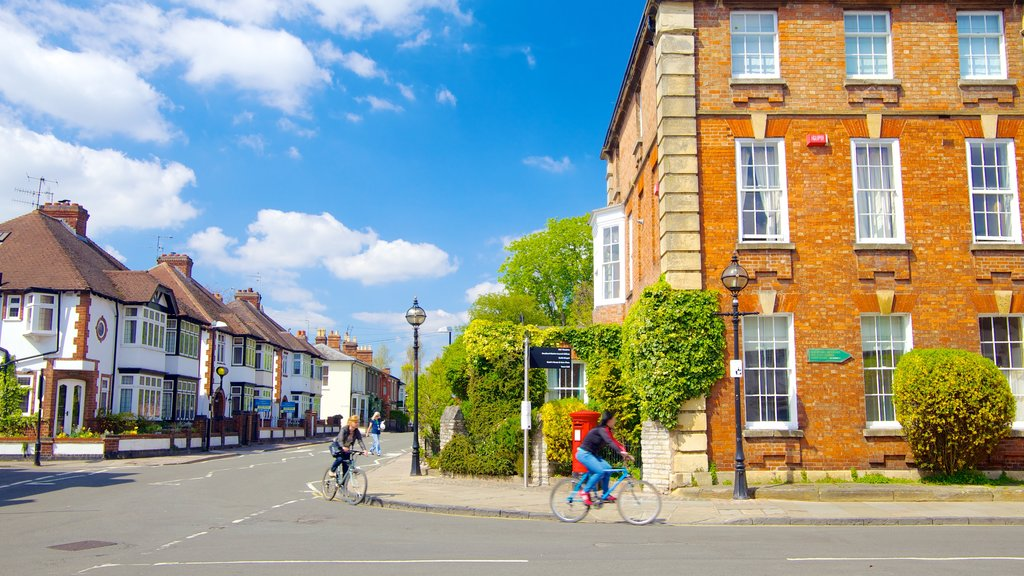Stratford-upon-Avon which includes heritage architecture, a city and cycling