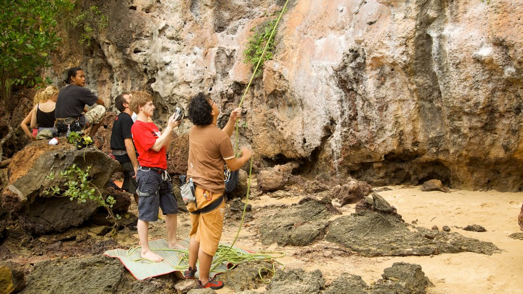 West Railay Beach which includes climbing
