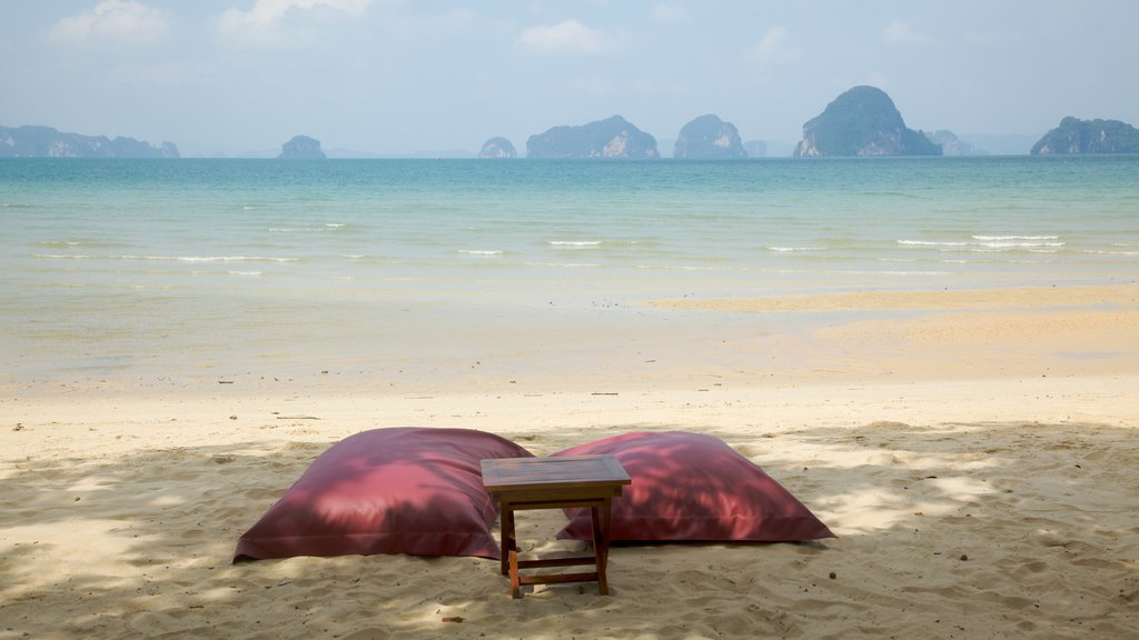 Ao Phra Nang Beach showing a sandy beach and general coastal views