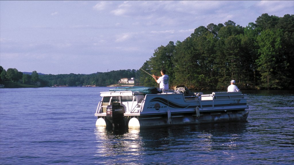 Hot Springs que incluye un río o arroyo, pesca y paseos en lancha