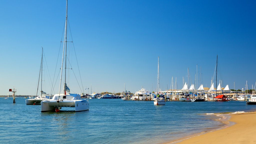 Southport which includes a beach, sailing and boating