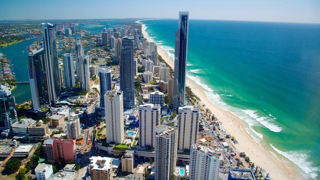 Terraza de observación SkyPoint ofreciendo un edificio de gran altura, vistas y distrito financiero central