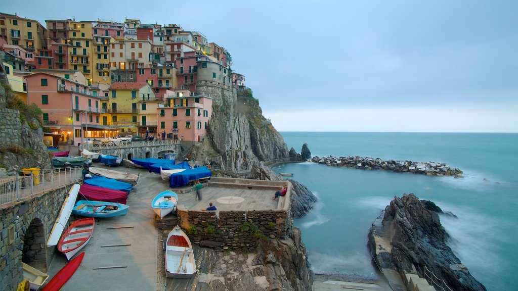 Manarola featuring night scenes, general coastal views and a coastal town