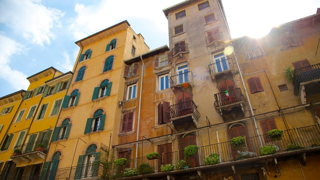 Piazza delle Erbe featuring street scenes, a city and a house