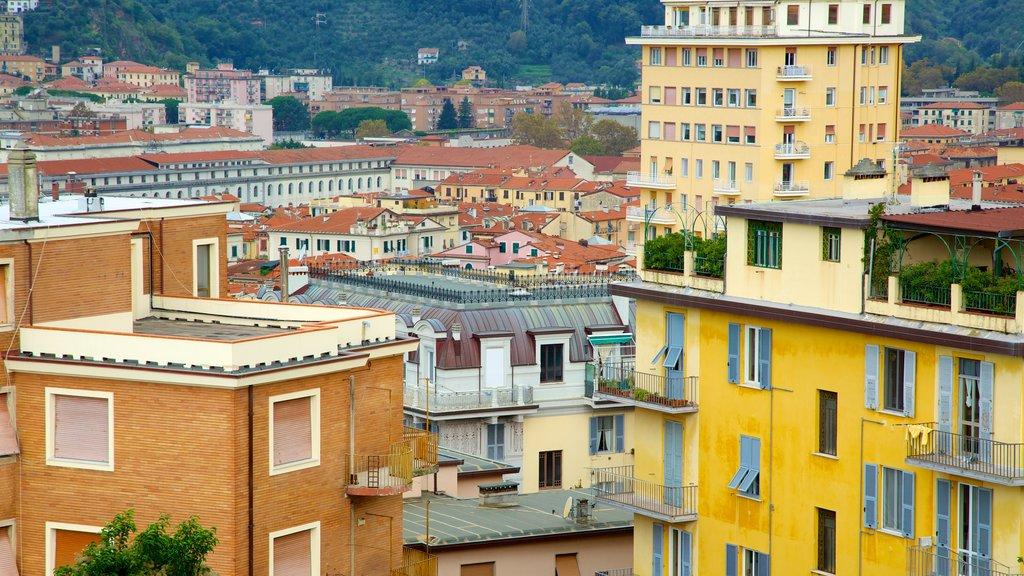 Castello San Giorgio which includes a city