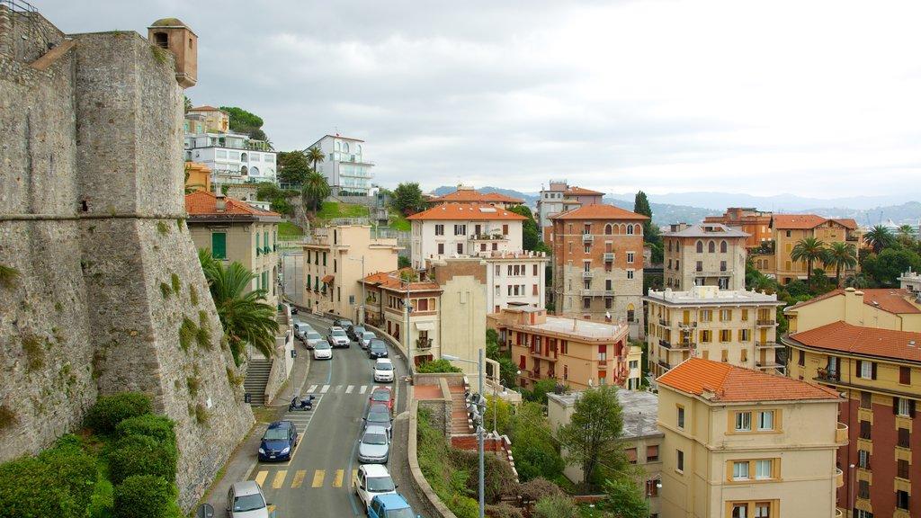 Castello San Giorgio showing heritage architecture, street scenes and a city