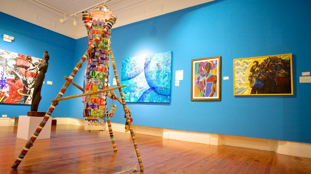 Galería de Arte Nacional de las Bahamas ofreciendo vistas interiores y arte