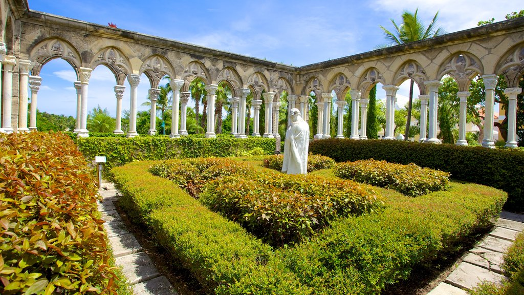 Versailles Gardens which includes outdoor art, art and a statue or sculpture