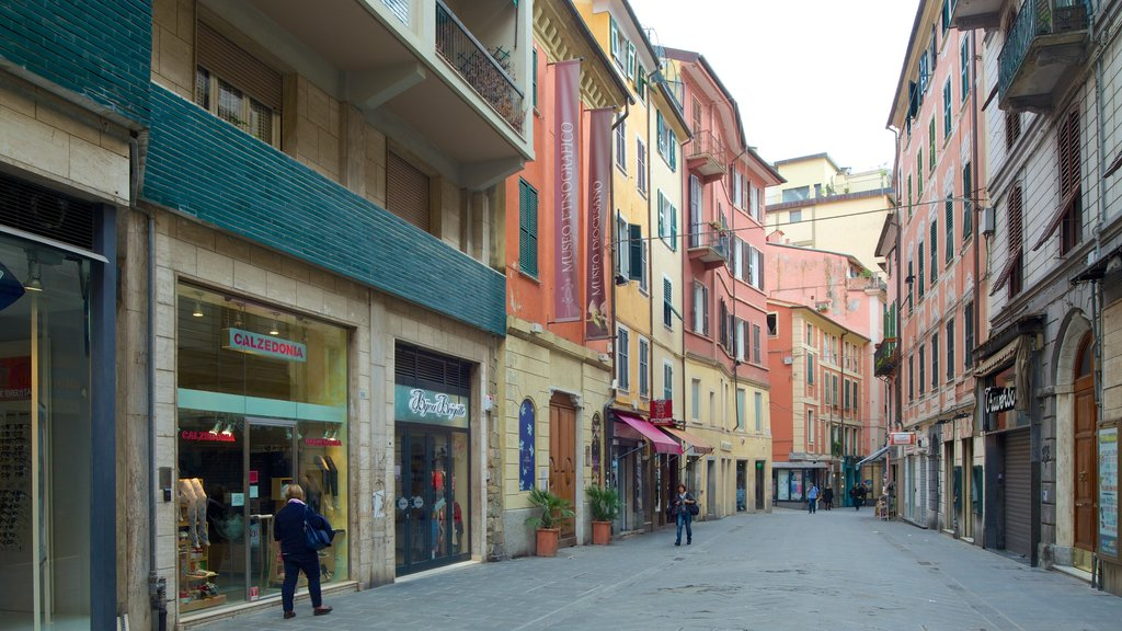 Museo Civico Etnografico Giovanni Podenzana which includes heritage architecture