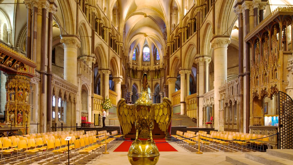 Canterbury Cathedral which includes religious aspects, interior views and heritage architecture