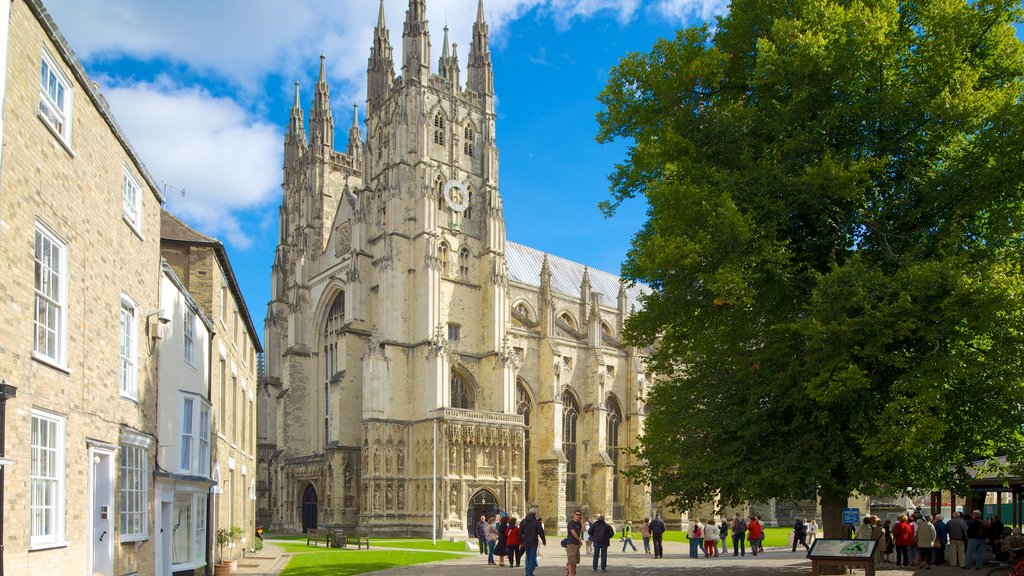 Canterbury Cathedral which includes a church or cathedral, heritage architecture and a city
