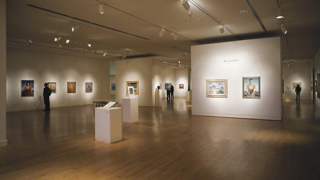El Paso featuring interior views