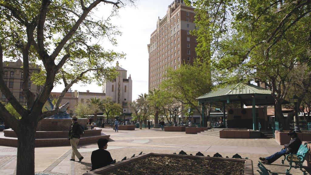El Paso which includes a square or plaza