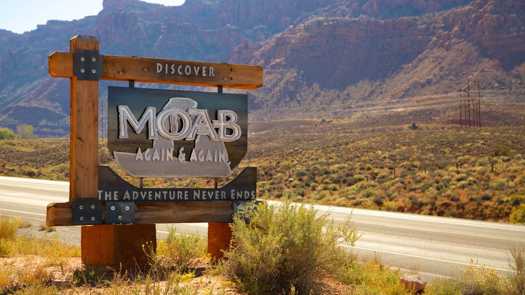 Moab showing signage and tranquil scenes