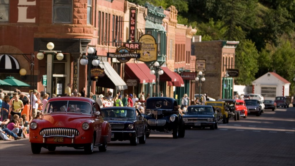 Deadwood showing touring and street scenes