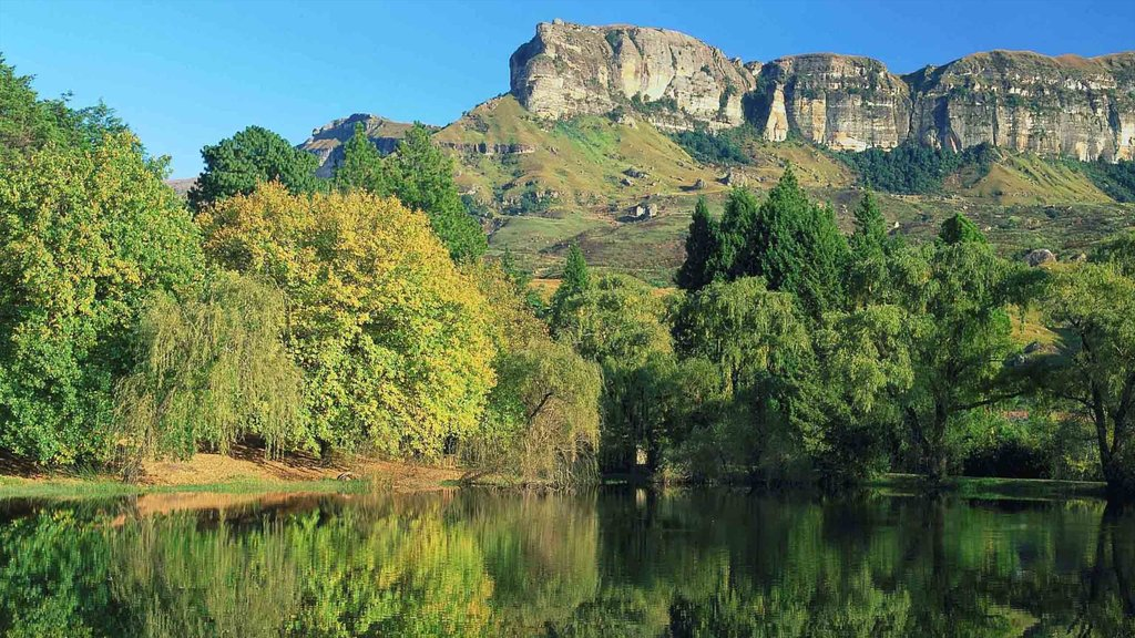 Kwazulu-Natal which includes landscape views, a lake or waterhole and mountains