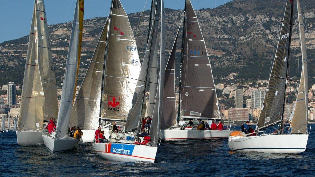 Mónaco que incluye una bahía o puerto y navegación