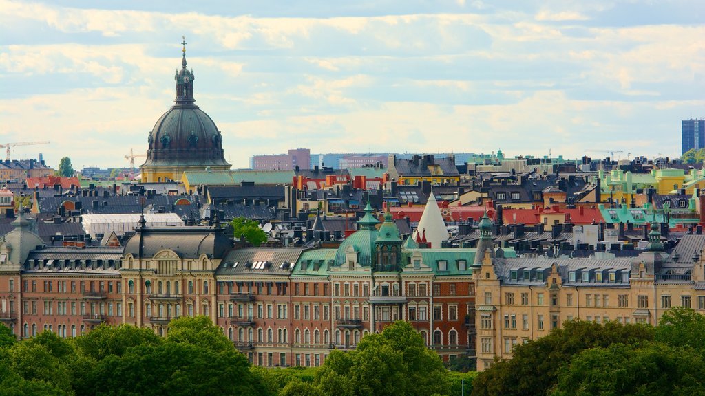 Stockholm which includes a city and heritage architecture