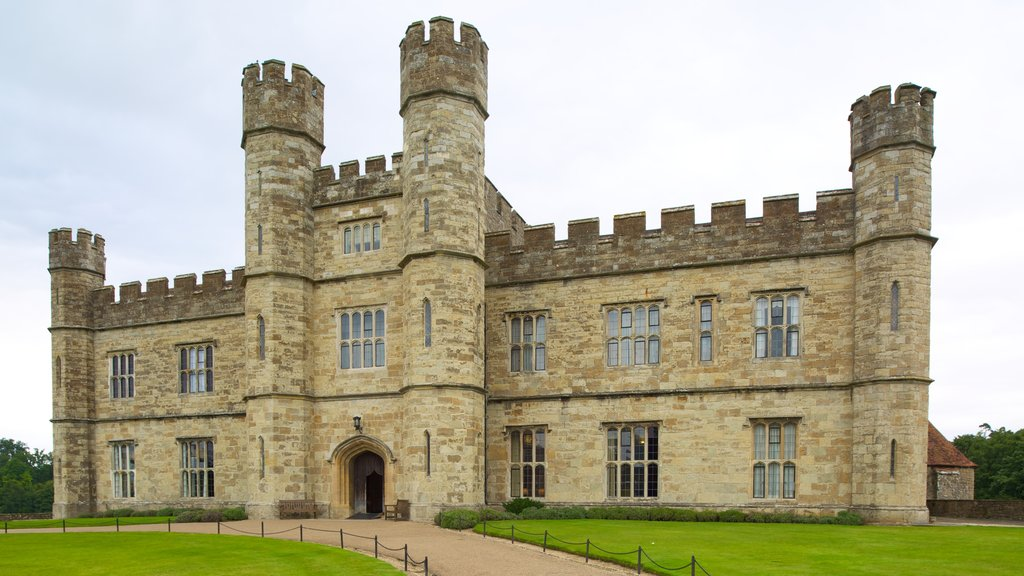 Leeds Castle featuring heritage elements, chateau or palace and heritage architecture