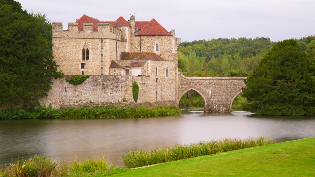Leeds Castle showing a river or creek, a castle and heritage elements