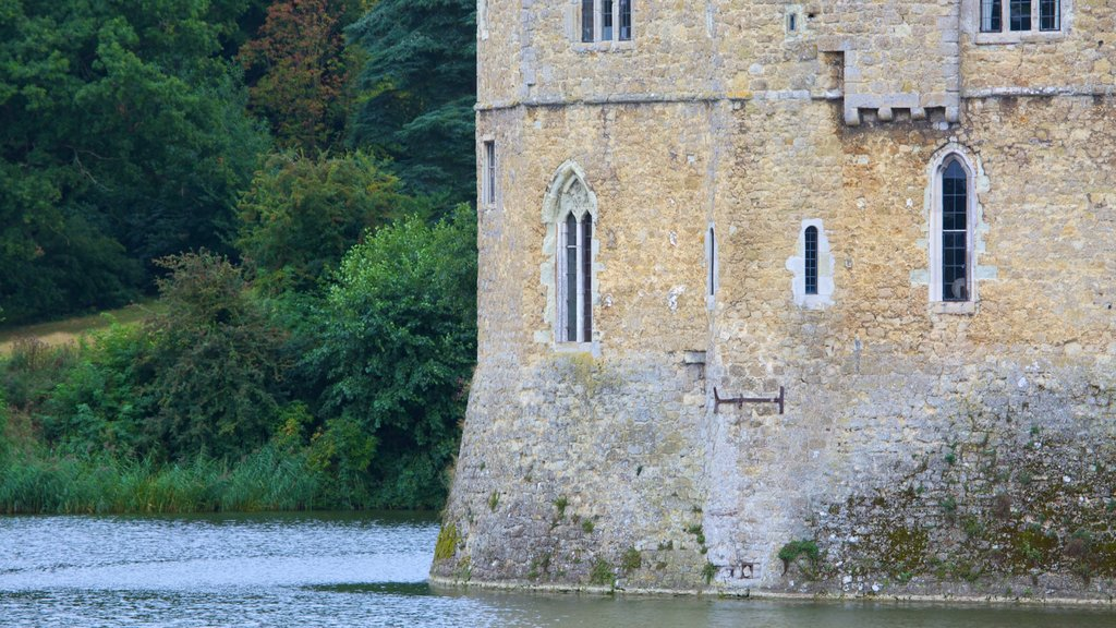 Leeds Castle showing heritage architecture, heritage elements and chateau or palace