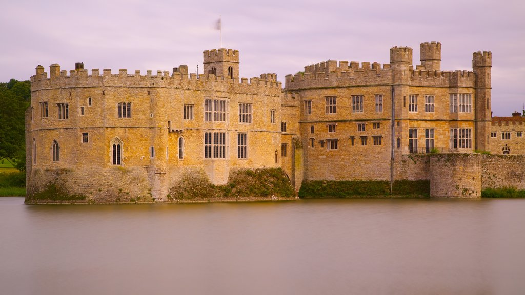 Leeds Castle featuring heritage elements, a castle and heritage architecture