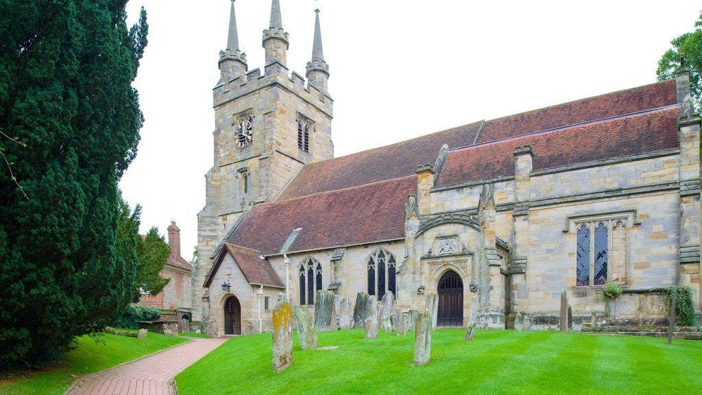 Tonbridge showing heritage elements, a church or cathedral and heritage architecture