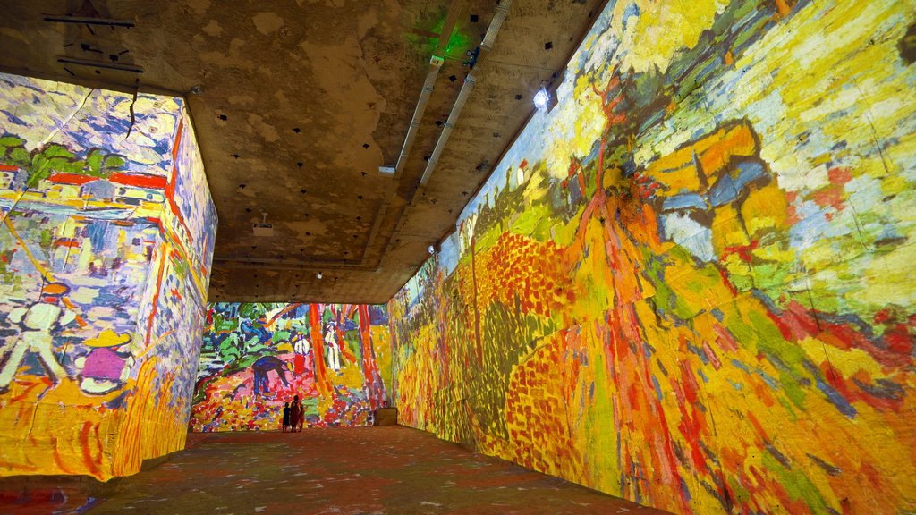 Carrieres de Lumieres which includes interior views and art