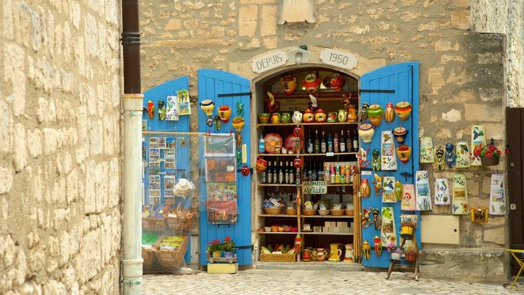 Chateau des Baux featuring markets