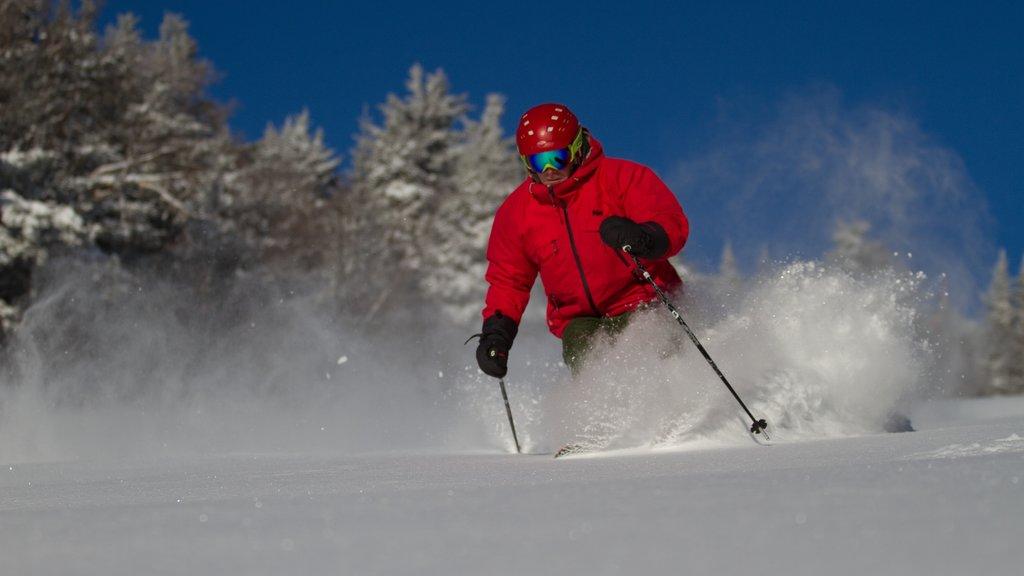 Killington Ski Resort mostrando nieve y esquiar en la nieve y también un hombre