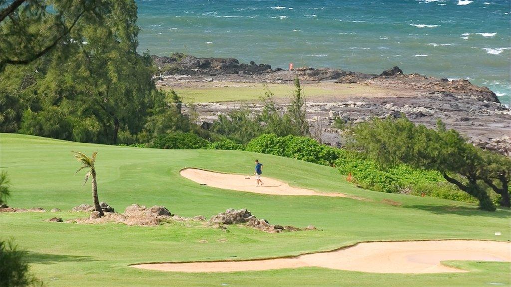 Kapalua Beach showing golf and rocky coastline