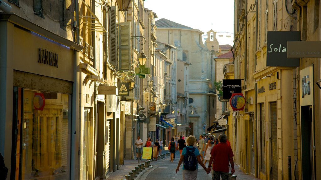 Avignon featuring heritage architecture and a city