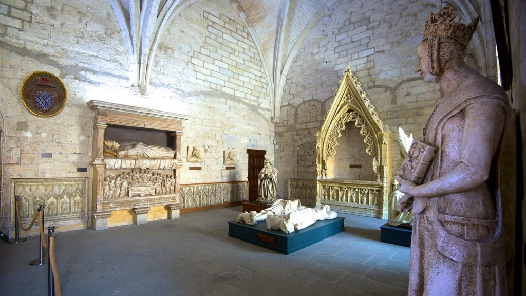 Palais des Papes which includes heritage elements, interior views and heritage architecture