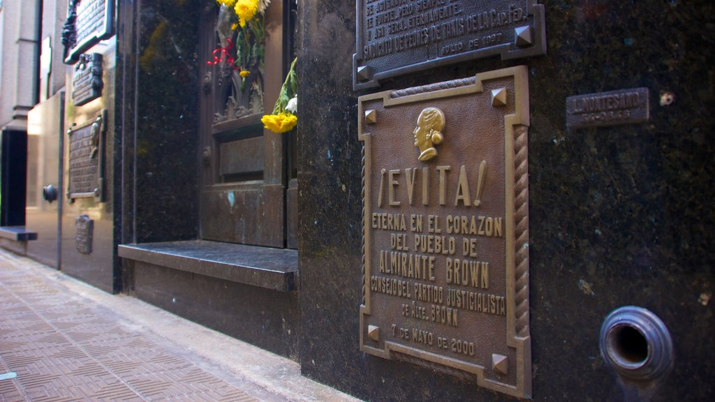 Chacarita Cemetery showing signage