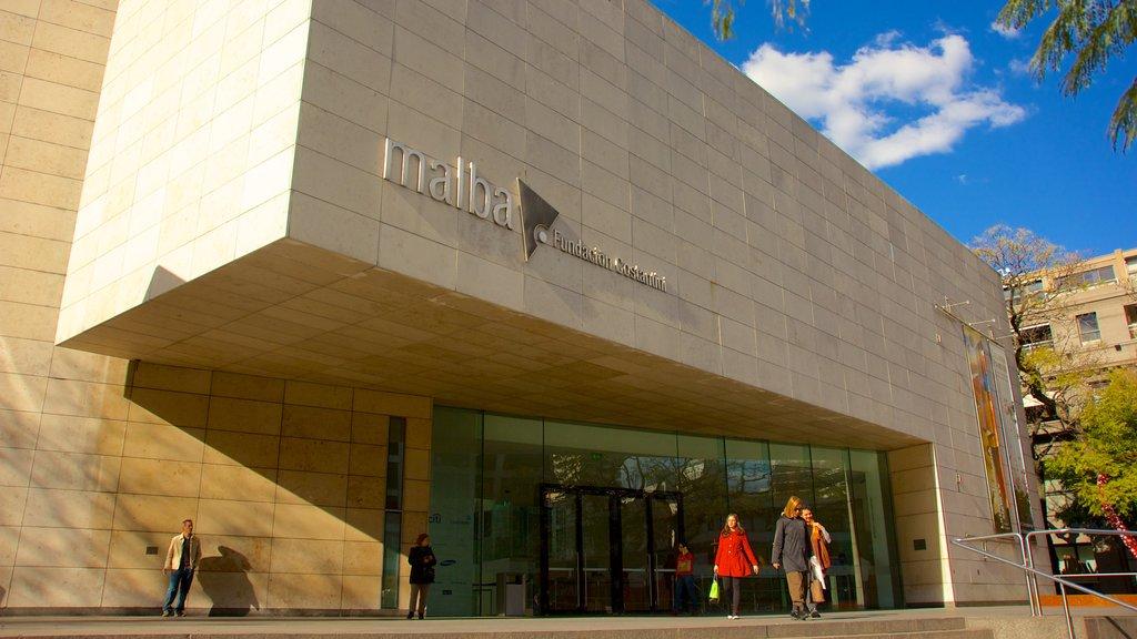 Museo de Arte Latinoamericano de Buenos Aires mostrando arquitectura moderna