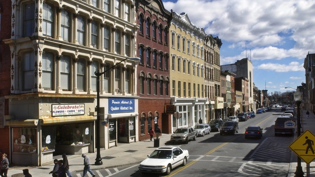 Poughkeepsie showing heritage architecture, street scenes and a city