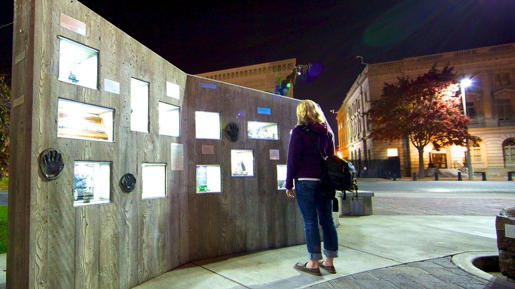 Yakima que incluye una ciudad, arte al aire libre y un parque o plaza