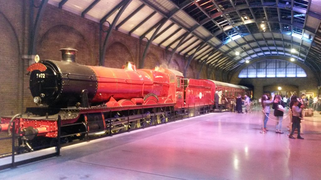 Harry Potter Studio Tour<figcaption>Hogwarts Express</figcaption>