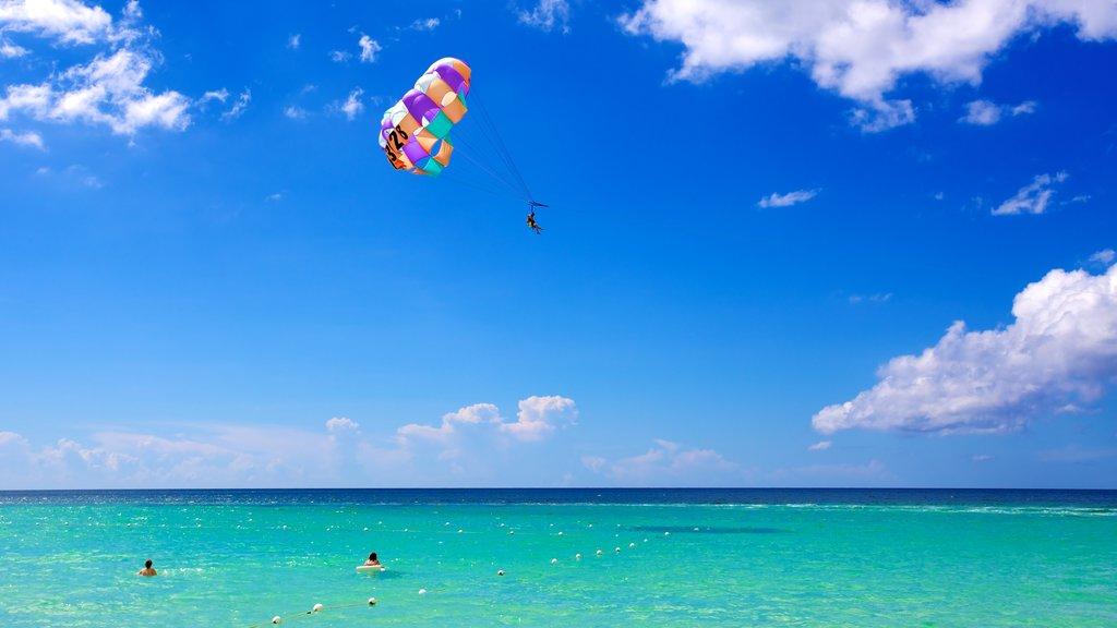 Jamaica mostrando parasailing
