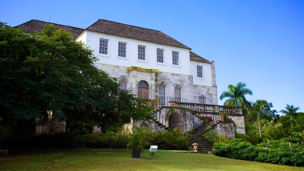 Gran casa Rose Hall mostrando una casa y patrimonio de arquitectura
