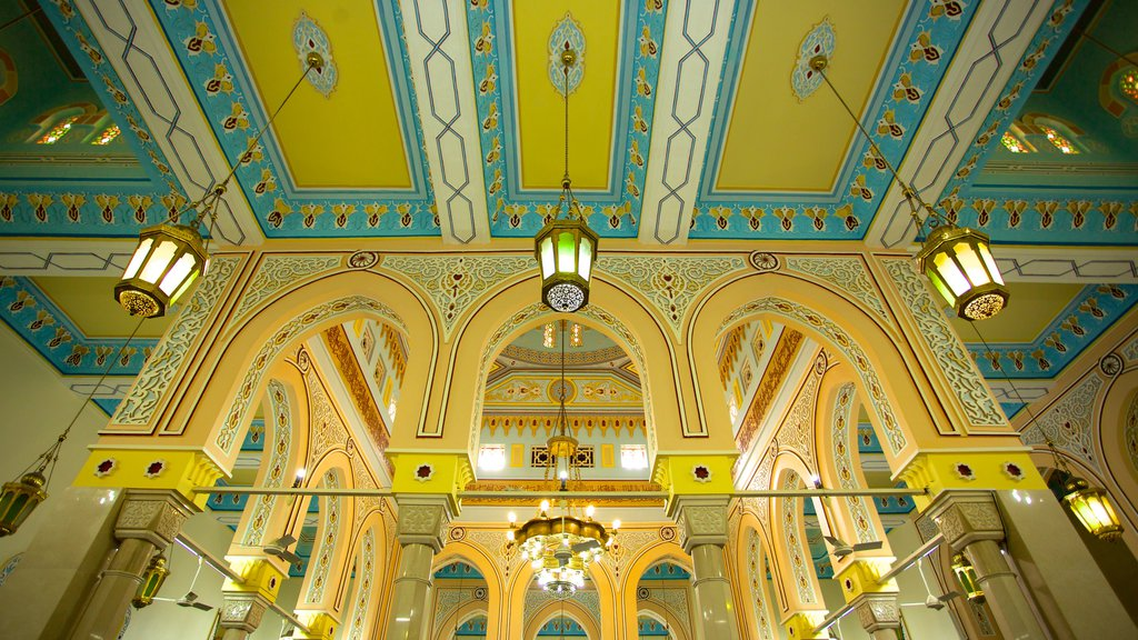 Jumeirah Mosque showing religious elements, a mosque and interior views