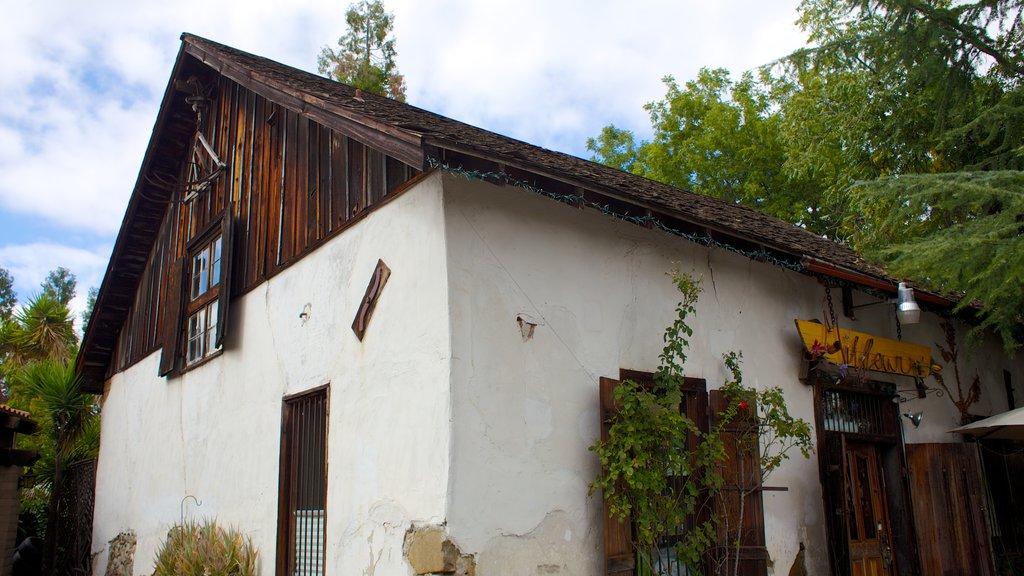 Pleasanton which includes heritage architecture