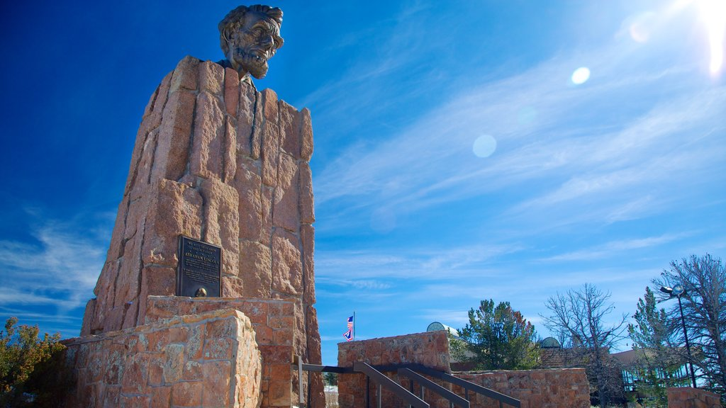 Laramie showing a monument and a memorial