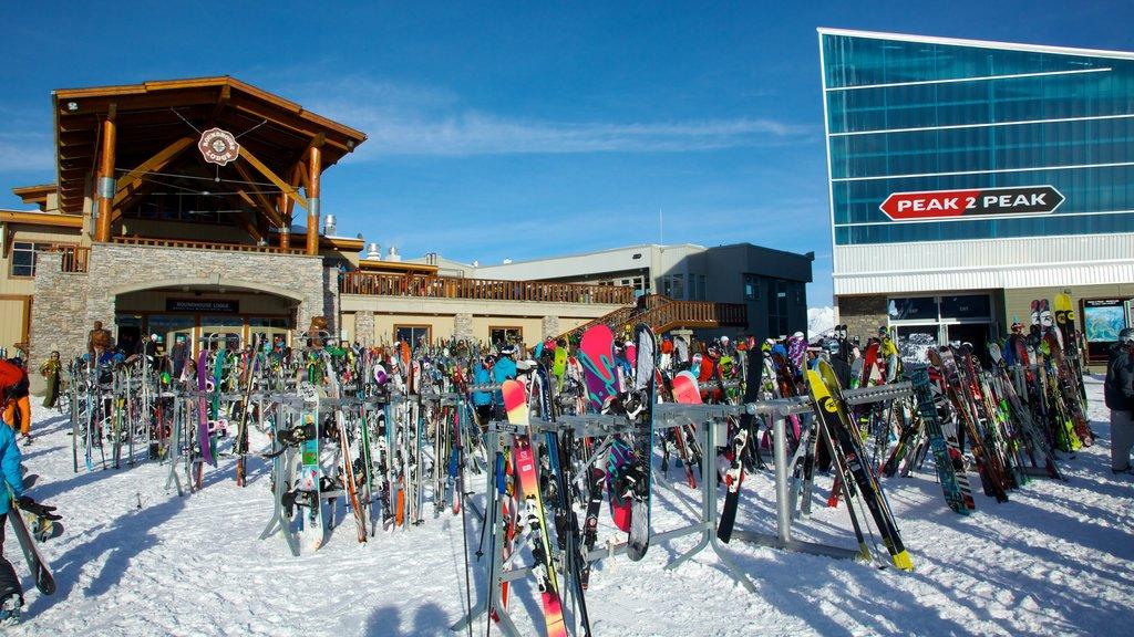 Peak 2 Peak Gondola which includes snow and apres ski